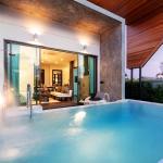 The 8 Pool Villa, Chalong