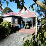 Porterfields Bed & Breakfast,  Macandrew Bay