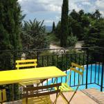 Hotel Pictures: B&B Les Volets bleus, Venelles