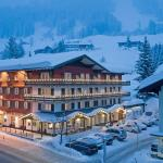 Hotel Pictures: Hotel Riezler Hof, Riezlern