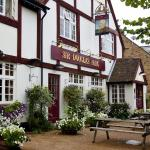 Hotel Pictures: Sir Douglas Haig Inn, Effingham