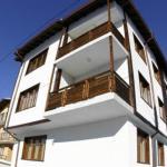 (1.3/5)   Snowplough Apartments  reviews