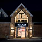 Hotel Pictures: The Lodge @ Kingswood, Epsom
