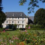 Hotel Pictures: Chateau de Savennes - Caveau de sabrage, Savennes