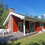 Hotel Pictures: Holiday home Brogårdsskoven C- 671, Snogebæk