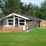 Hotel Pictures: Holiday home Bugten E- 729, Jerup