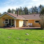 Hotel Pictures: Holiday home Bygmarken F- 746, Strandby