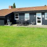Hotel Pictures: Holiday home Fridavej E- 1233, Stokkebro