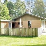Hotel Pictures: Holiday home Lynglund G- 2795, Nordost