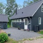 Hotel Pictures: Holiday home Skovbrynet G- 4083, Lindet