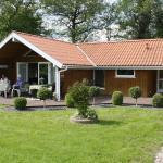 Hotel Pictures: Holiday home Strandløbervej E- 4569, Rønde
