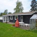 Hotel Pictures: Holiday home Tjørnerenden D- 4824, Kisserup