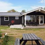 Hotel Pictures: Holiday home Viffertsholm D- 5192, Øster Hurup