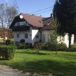House Ana,  Jezerce
