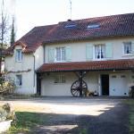 Hotel Pictures: Chambre d'Hôtes Les Chênes, Chaptelat