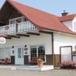 Hotel Pictures: Gite du Vieux Quai, Sainte-Flavie