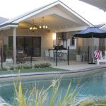 Hotel Pictures: Seventy3 Boutique Villa, Bathurst