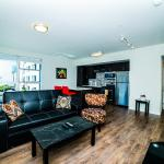 Downtown Plaza Apartment, Los Angeles