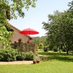 Hotel Pictures: Chambres du Pont de Lauque, Bretenoux