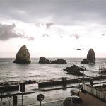 Meravigliosa vista mare davanti ai Faraglioni,  Acitrezza