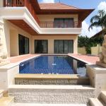 Bang Saray Pool Villa by Pattaya Sunny Rentals, Bang Sare