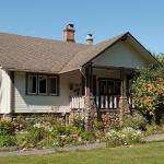 Hotel Pictures: Malahat Farm Heritage Retreat,
