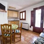 Hotel Pictures: Apartments Torrens, Morella