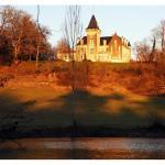 Hotel Pictures: Villa in Charente I, Saint-Avit
