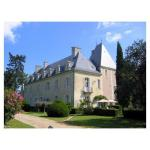 Hotel Pictures: Villa in Indre Et Loire I, Huismes