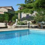 Hotel Pictures: Villa in Saint Saturnin Les Avignon, Saint-Saturnin-lès-Avignon