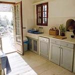 Hotel Pictures: Villa in Saumane De Vaucluse, Saumane-de-Vaucluse