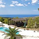 Hotel Pictures: Villa in Cala D Hort I, Es Cubells