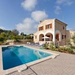 Hotel Pictures: Villa in Campanet VIII, Campanet