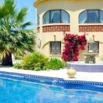 Hotel Pictures: Villa in La Fustera I, Casas de Torrat