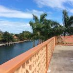 Hotel Pictures: The Windflower Apartment 2, Placencia Village