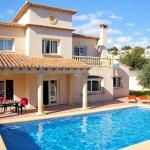 Hotel Pictures: Apartment with pool in Moraira, Pedramala