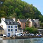 Hotel Pictures: La Barcarolle - Chambres D'Hotes, Locquénolé
