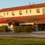 Hotel Pictures: Hotel & restaurant SIGNAL, Pardubice