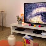 Hotel Pictures: Studio Chambéry Centre - La Loge des Voyageurs, Chambéry