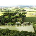 Hotel Pictures: Lac De Cancon, Cancon