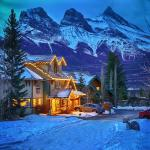Hotel Pictures: Creekside Villa, Canmore