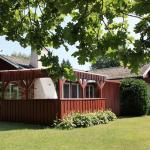 Four-Bedroom Holiday home in Nybrostrand, Glemminge