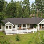 Three-Bedroom Holiday home in Köpingsvik 1,  Köpingsvik