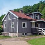 Two-Bedroom Holiday home in Brastad 2,  Brastad