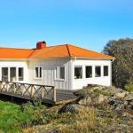 Three-Bedroom Holiday home in Rönnäng 1, Rönnäng