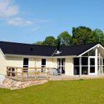 Hotel Pictures: Five-Bedroom Holiday home in Aabenraa, Loddenhøj