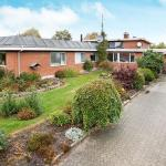 Hotel Pictures: Nine-Bedroom Holiday home in Hadsund, Nørre Hurup