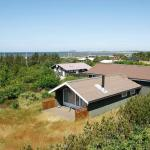 Hotel Pictures: Two-Bedroom Holiday home in Løgstør 1, Trend