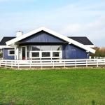 Hotel Pictures: Three-Bedroom Holiday home in Harboøre 7, Harboør