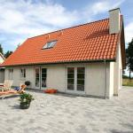Hotel Pictures: Four-Bedroom Holiday home in Dronningmølle 1, Gilleleje